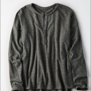 American Eagle soft and sexy heather green Henley